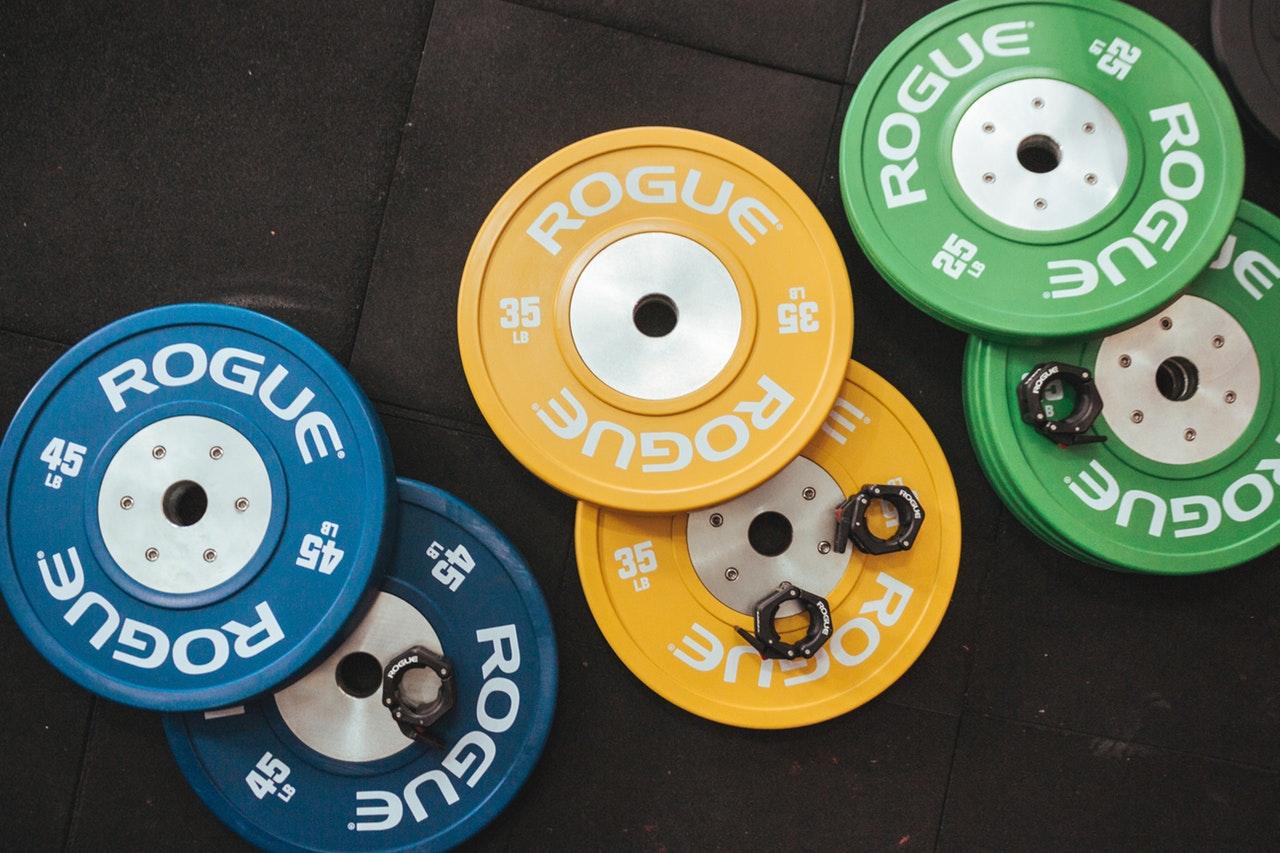 exercise-equipment-heavy-indoors-1092878